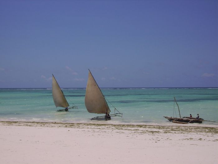 Smiles Beach Hotel, Nungi, Tanzania, backpackers gear and staying in hostels or budget hotels in Nungi