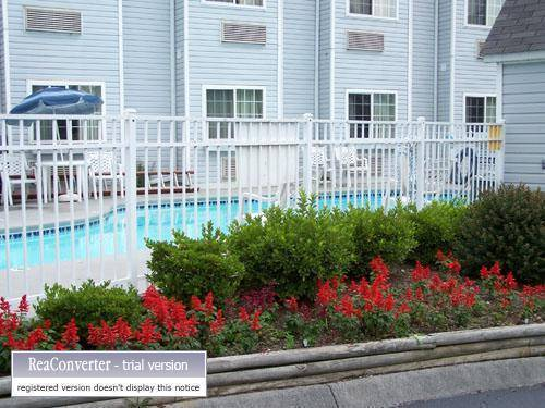 Guesthouse International Inn, Pigeon Forge, Tennessee, backpacking and cheap lodging in Pigeon Forge