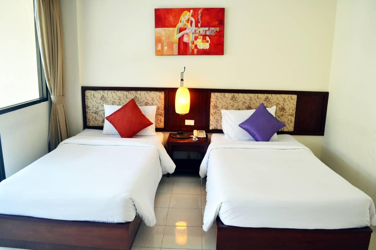 Bauman Ville Hotel, Patong Beach, Thailand, Thailand hostels and hotels