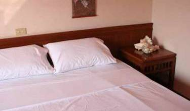 A1 Island Guesthouse - Search available rooms for hotel and hostel reservations in Patong Beach 7 photos