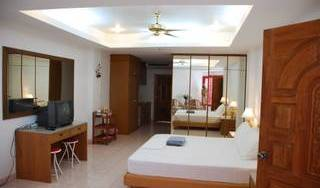 Laylas Marble Rooms - Get low hotel rates and check availability in Jomtien, eco friendly hotels and hostels 5 photos