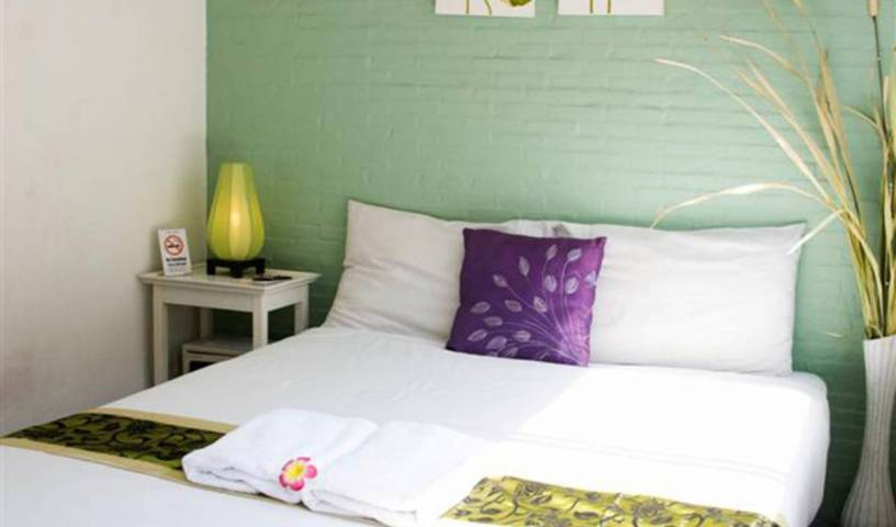 Padi Madi Guest House - Search available rooms for hotel and hostel reservations in Bangkok 17 photos