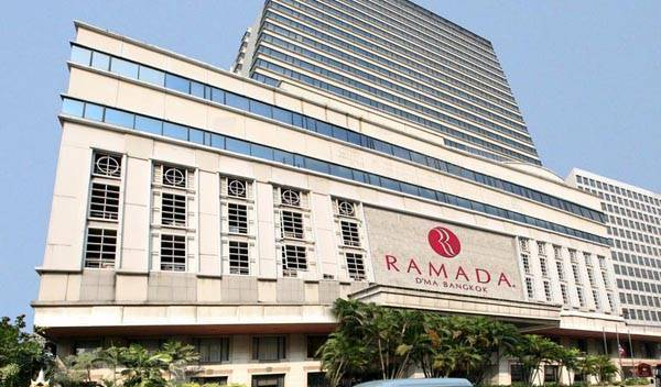 Ramada D'MA Bangkok, hotels with rooftop bars and dining in Din Daeng, Thailand 7 photos