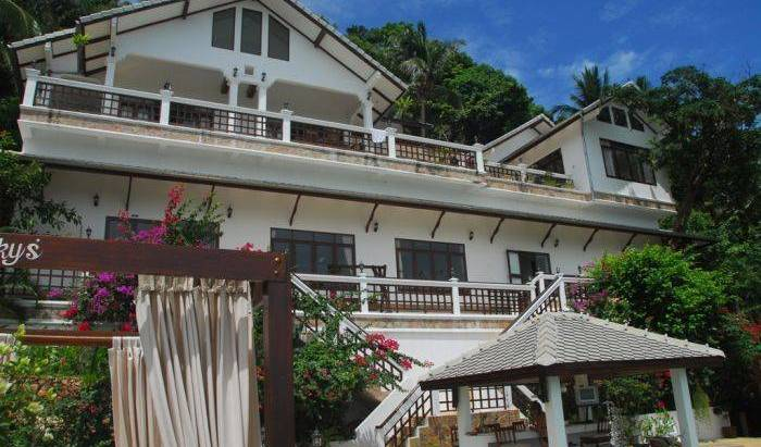 Robert Villa Hotel Koh Samui - Search available rooms for hotel and hostel reservations in Amphoe Ko Samui 15 photos