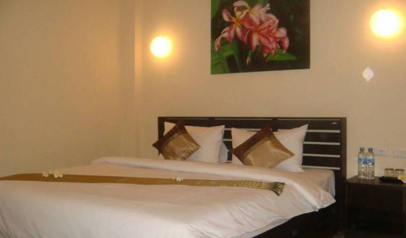 The Revel Travel Guesthouse - Search for free rooms and guaranteed low rates in Phi Phi Don 4 photos