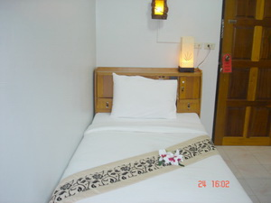 Lamai Apartment, Patong Beach, Thailand, backpackers and backpacking hotels in Patong Beach