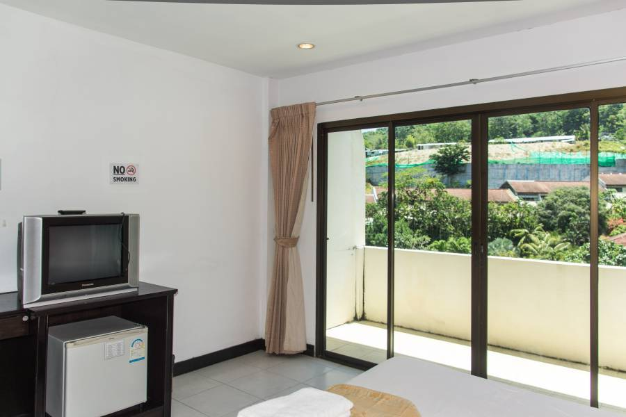 Patong Bay Guesthouse, Ban Patong, Thailand, find cheap hotel deals and discounts in Ban Patong