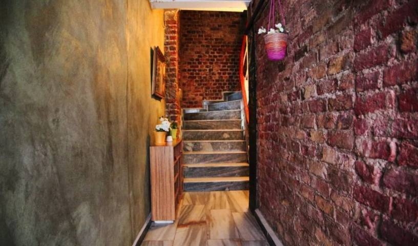 Innjoy Hostel, travel and hotel recommendations 8 photos