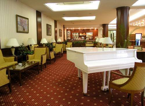 Hotel Oreanda, Yalta, Ukraine, find cheap hotels and rooms at Instant World Booking in Yalta