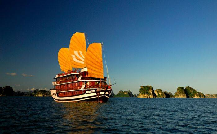 Bhaya Cruises, Ha Long, Viet Nam, Viet Nam hotels and hostels