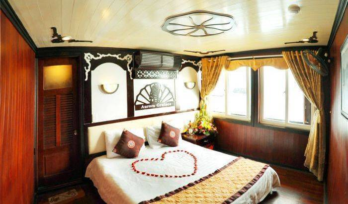 Halong Aurora Cruises 19 photos