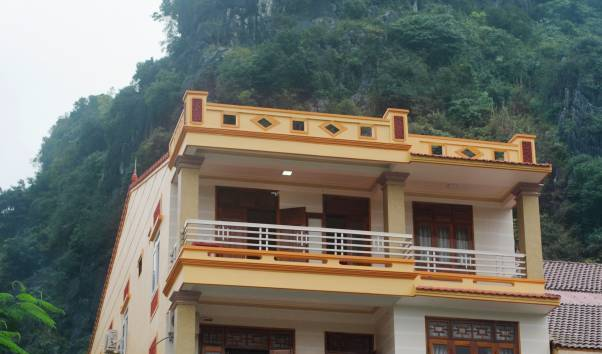 Hoaphuong Hotel - Get low hotel rates and check availability in Bo Trach 3 photos