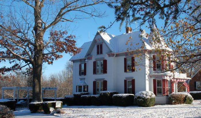 White Fence Bed And Breakfast - Search for free rooms and guaranteed low rates in Luray, hotel bookings 3 photos