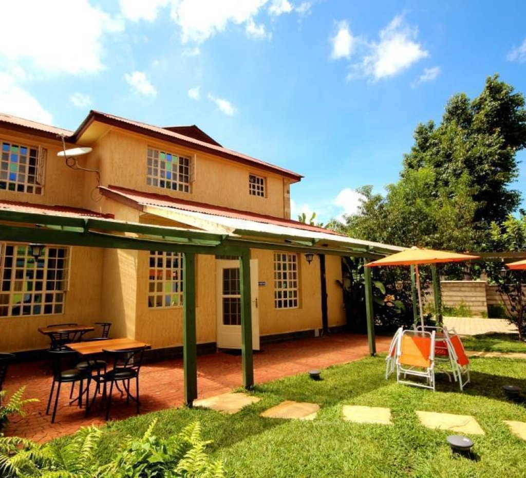 Crest Safari Lodge, hotel in Arusha - Hotel reservations, hostels ...