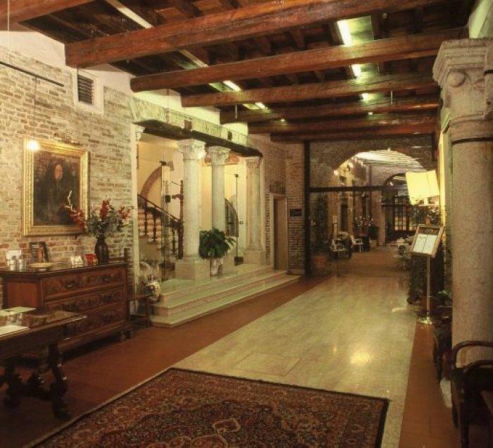 Hotel Ripagrande, hotel in Ferrara - Prenota subito tariffe basse ...