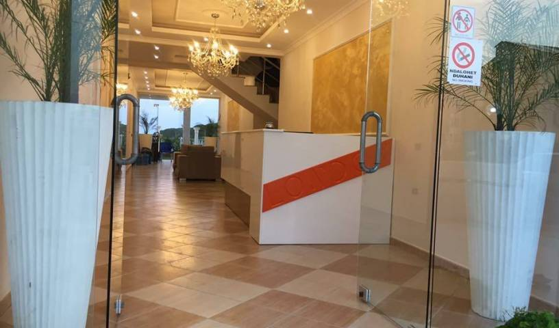 London Hotel - Get low hotel rates and check availability in Spille 17 photos