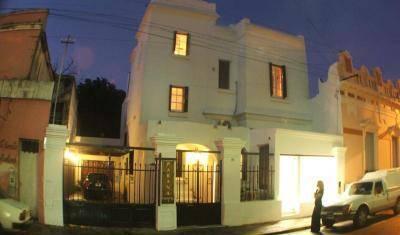 Parana Hostel - Obtenez des tarifs d'hôtel bas et vérifiez la disponibilité dans Parana 10 Photos