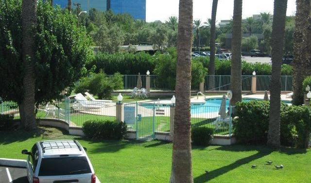 Howard Johnson Airport Downtown - Get low hotel rates and check availability in Phoenix, list of top 10 hotels and hostels 12 photos