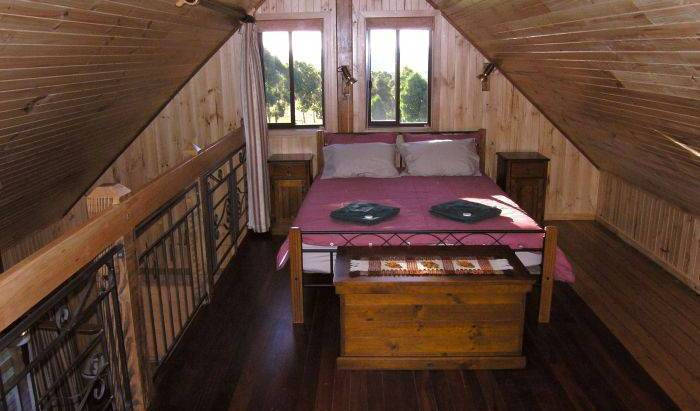 Carinya Park Orchard Cottage, great destinations for budget travelers 8 photos