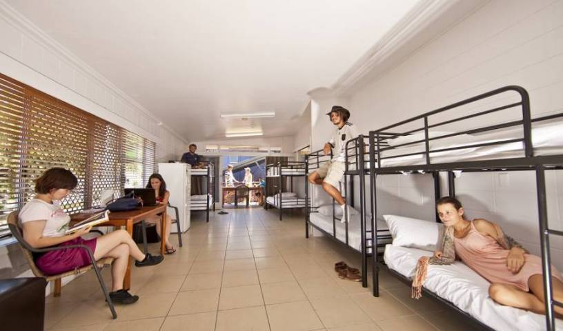 The Jack Backpackers - Search for free rooms and guaranteed low rates in Cairns 32 photos