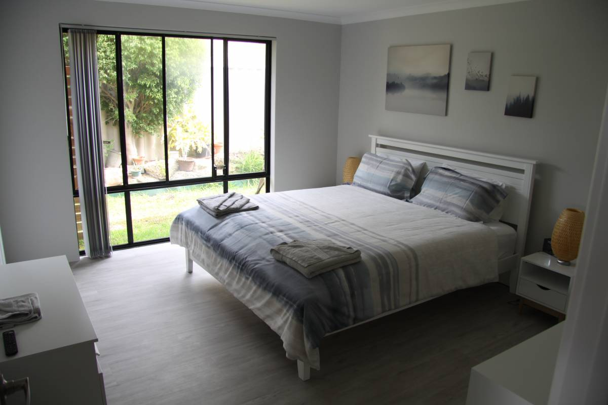 Warnbro Beach Family Accommodation, Perth, Australia, best vacations at the best prices in Perth