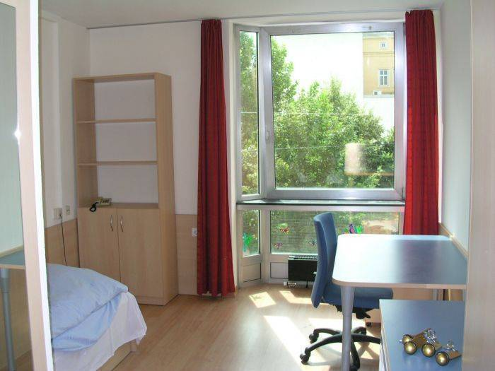 Strawberry Hostel Wien, Vienna, Austria, hotels available in thousands of cities around the world in Vienna