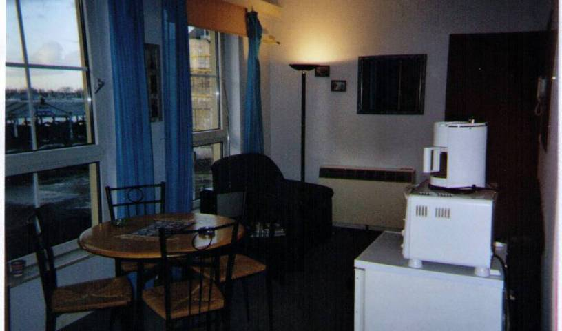 De Bedstay - Search available rooms for hotel and hostel reservations in Antwerp 7 photos