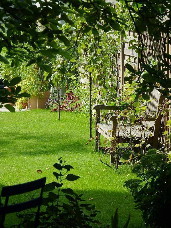 Garden In The City, Gent, Belgium, backpackers gear and staying in hostels or budget hotels in Gent