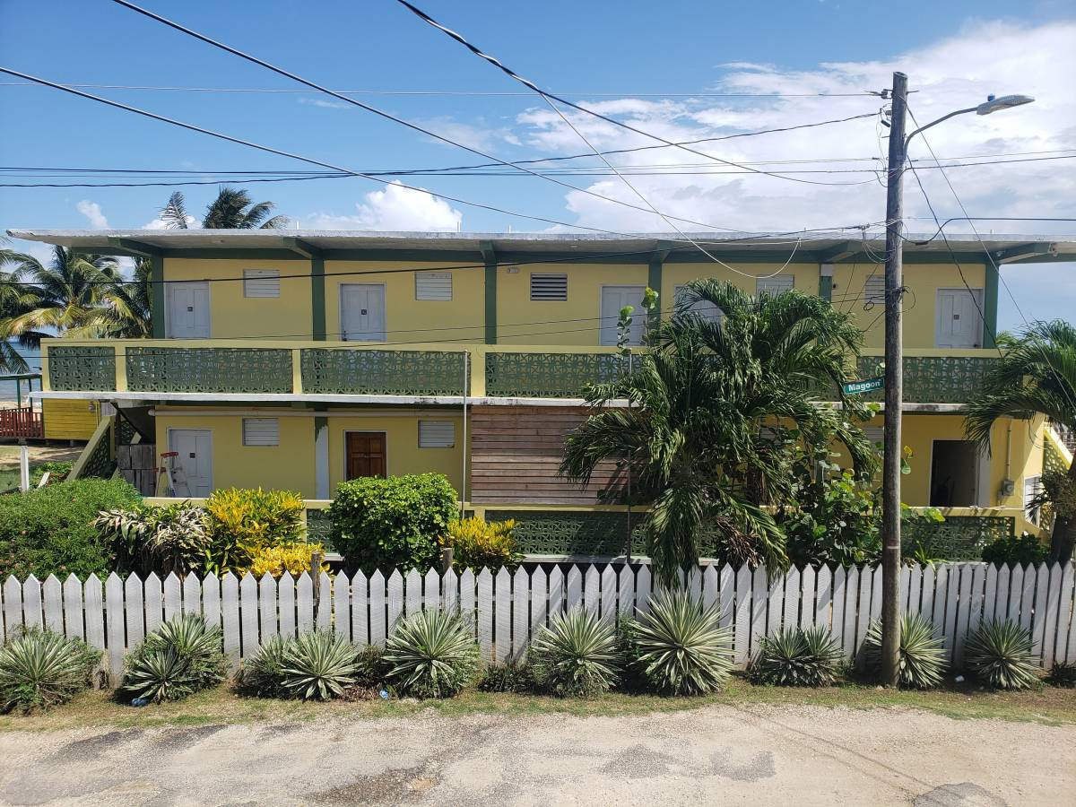 Pal's On The Beach, Dangriga, Belize, Belize hotels and hostels