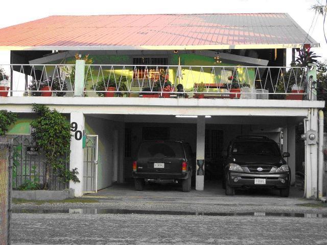 The Red Hut Inn, Belize, Belize, Belize hostels and hotels