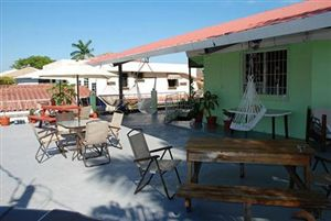The Red Hut Inn, Belize City, Belize, Coolste hotels en hostels in Belize City