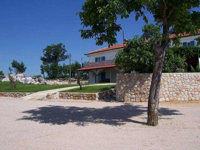 Agroturizam Marica Gaj, Grude, Bosnia and Herzegovina, compare reviews, hotels, resorts, inns, and find deals on reservations in Grude