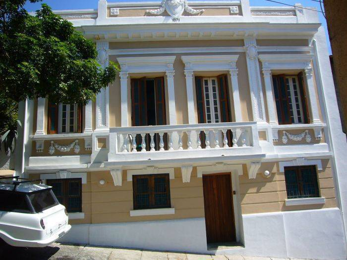 Casa Aurea Pousada Guest House, Rio de Janeiro, Brazil, what is a backpackers hostel? Ask us and book now in Rio de Janeiro
