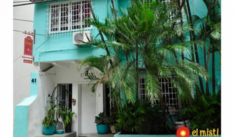 El Misti Rooms - Search available rooms for hotel and hostel reservations in Rio de Janeiro 6 photos