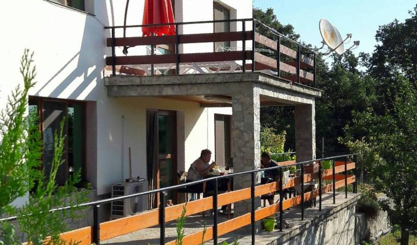 Mihaela Lake Retreat - Search available rooms for hotel and hostel reservations in Kurdzhali 12 photos