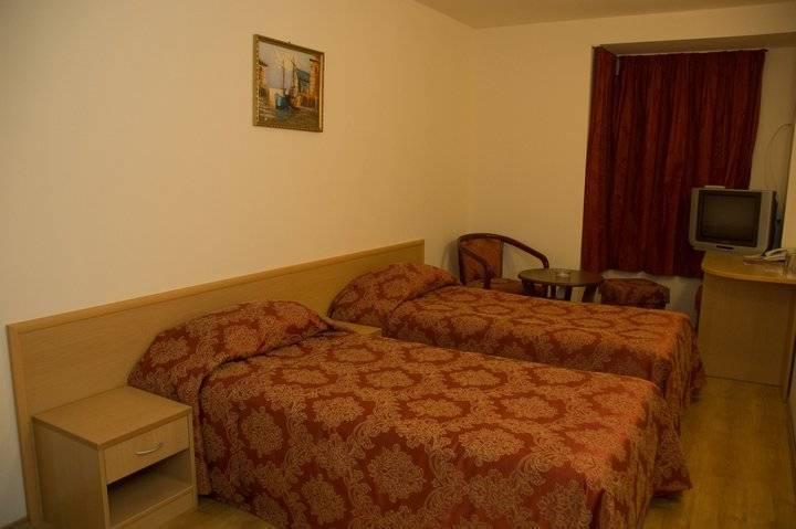 Hotel Victoria, Varna, Bulgaria, hotel in hostel svetu namestitve v Varna