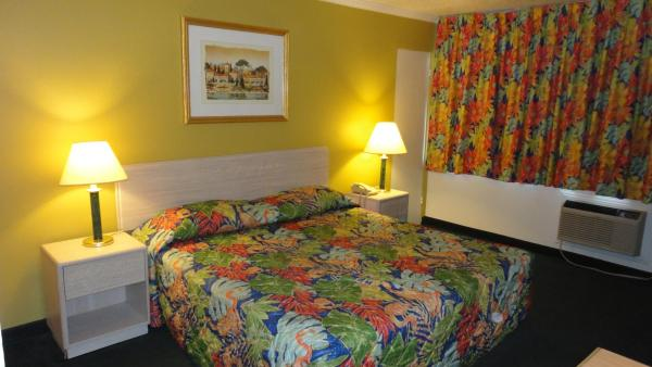 Imperial 400 Motor Inn, Needles, California, great destinations for budget travelers in Needles
