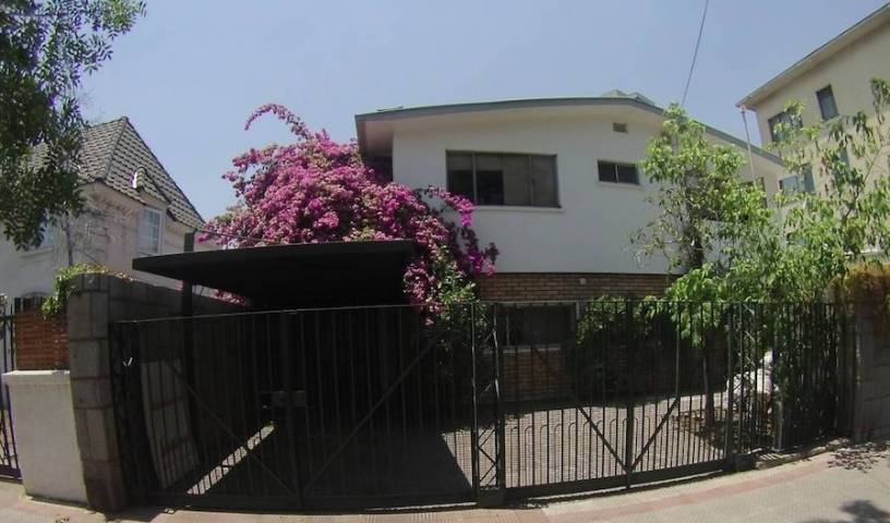 Bedandbreakfast Blumenhaus - Search for free rooms and guaranteed low rates in Santiago 39 photos