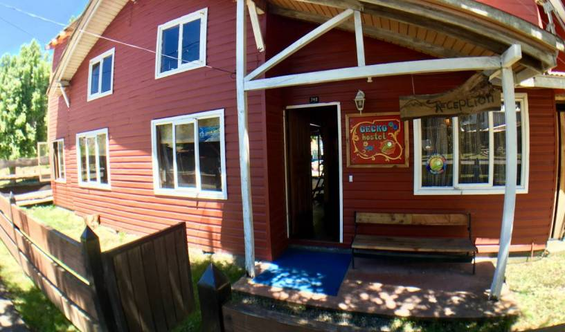 Gecko Hostel - Search for free rooms and guaranteed low rates in Pucon 7 photos