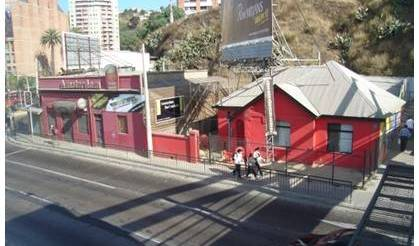 Hostal Amsterdam Backpackers - Search for free rooms and guaranteed low rates in Valparaiso 13 photos
