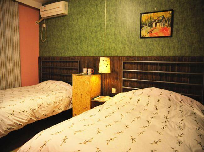 Suzhou Taohuawoo Youth Hostel, Suzhou, China, backpackers gear and staying in hostels or budget hotels in Suzhou