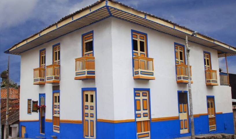 Hostal Ciudad de Segorbe - Search for free rooms and guaranteed low rates in Salento, have a better experience, book with HostelTraveler.com in Quimbaya, Colombia 10 photos