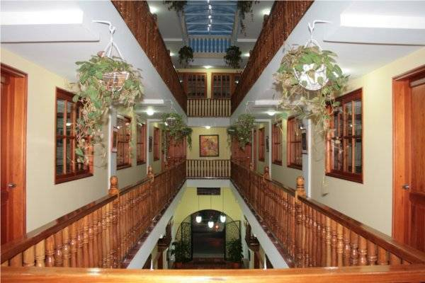Hotel Lee, Cartagena, Colombia, travel hotels for tourists and tourism in Cartagena