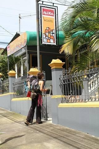 Aldea Hostel, San Jose, Costa Rica, open air bnb and hotels in San Jose