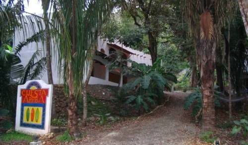 Cuesta Arriba Hostel - Get low hotel rates and check availability in Mal Pais 4 photos