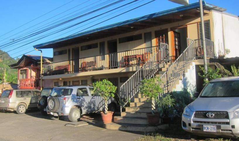 Hotel Reventazon and Guesthouse, tips for traveling abroad and staying in foreign hotels in Santa Cruz, Costa Rica 9 photos