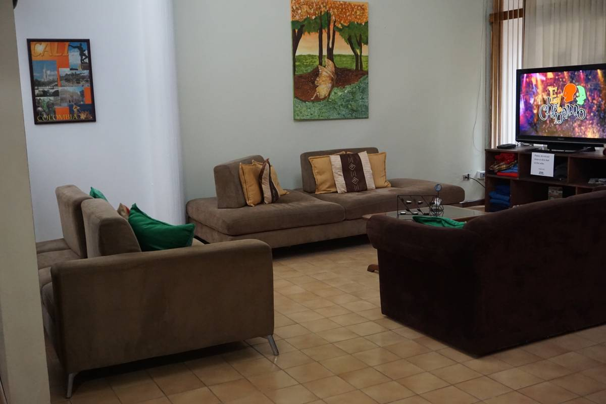 Gaudy's Backpacker, San Pedro, Costa Rica, local tips and recommendations for hotels, motels, hostels and B&Bs in San Pedro
