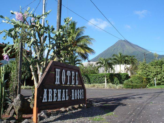 Hotel Arenal Rossi, Fortuna, Costa Rica, where to rent an apartment or aparthotel in Fortuna