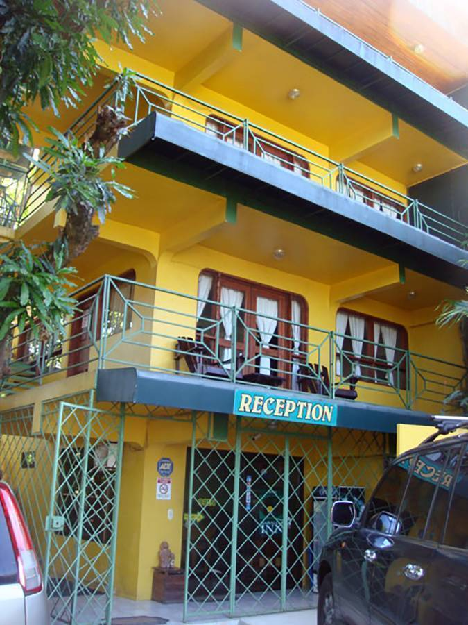 Hy Paradise Inn, Manuel Antonio, Costa Rica, hotels and hostels for mingling with locals in Manuel Antonio