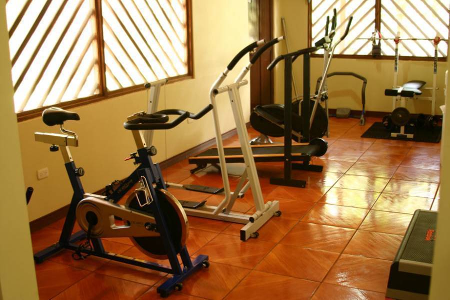 Manatus Hotel, Tortuguero, Costa Rica, where to stay and live in a city in Tortuguero